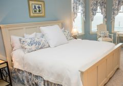 Bedroom at Pink Pelican cottage - Manteo, NC