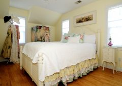 Bedroom in Magnolia Cottage - Manteo, NC